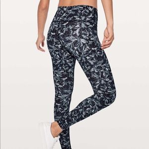Floral lululemon wunder under